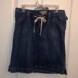 Old Navy denim distressed maternity skirt.